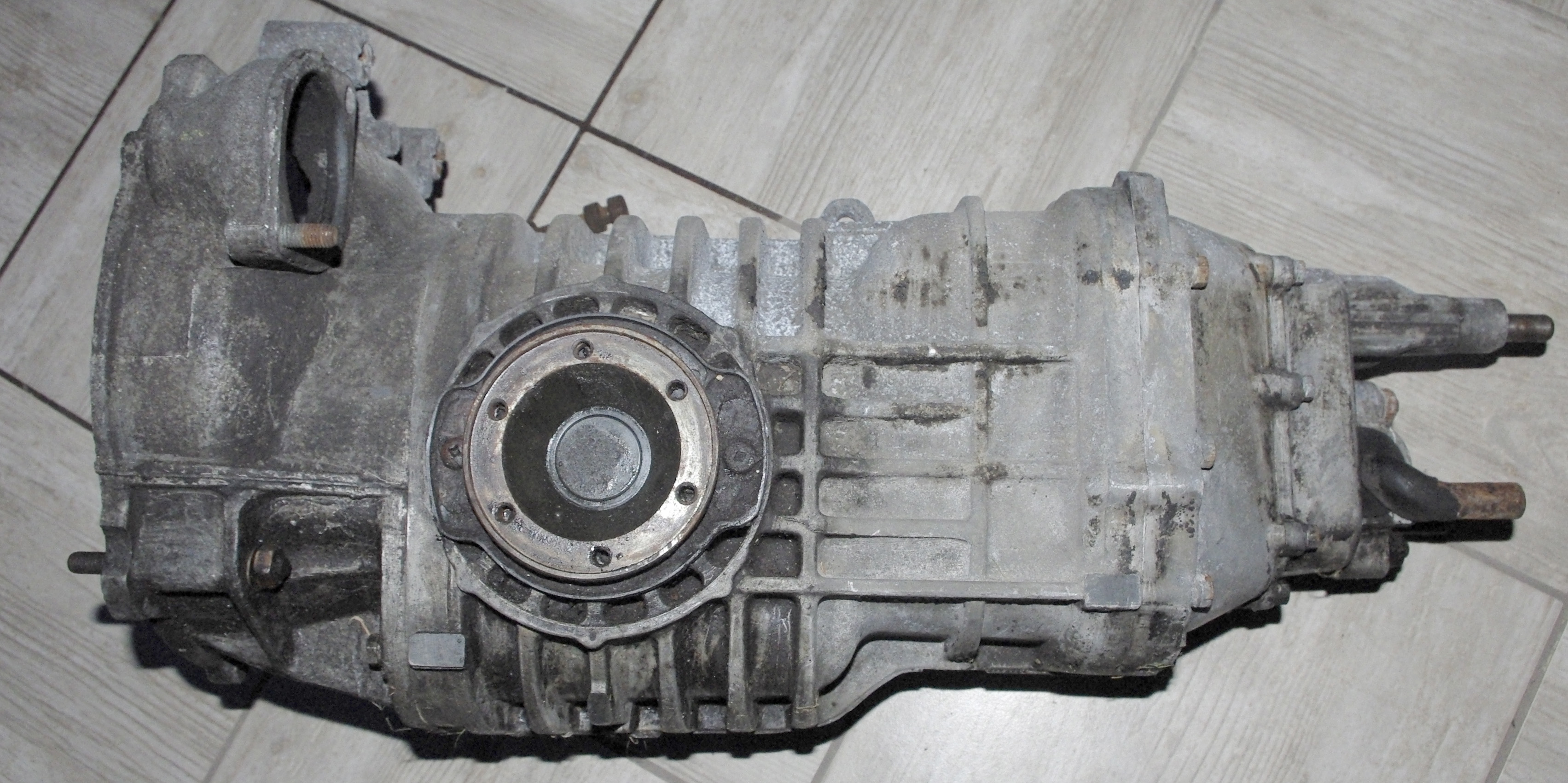 FOR SALE - 091 6-rib CP gearbox for sale       The Late Bay